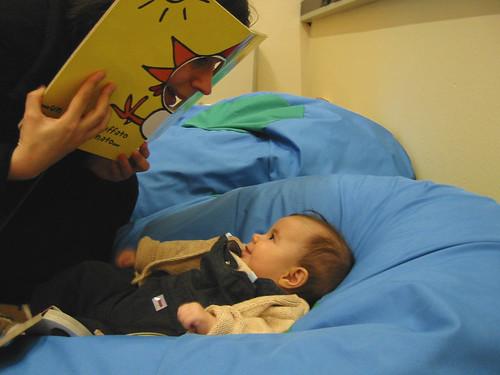 la-lettura-dei-libri-uno-strumento-alla-portata-di-tutti-per-migliorare-il-linguaggio-dei-bambini