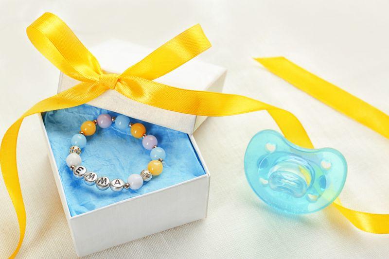 gioielli-consigli-su-quali-regalare-quando-nasce-il-bambino