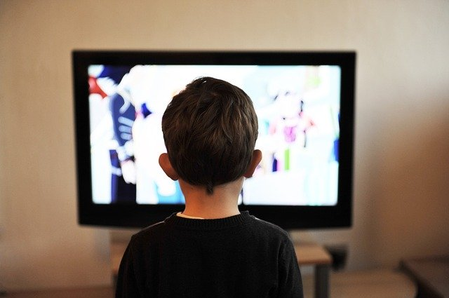 tv-la-sicurezza-dei-piu-piccoli-di-fronte-a-essa