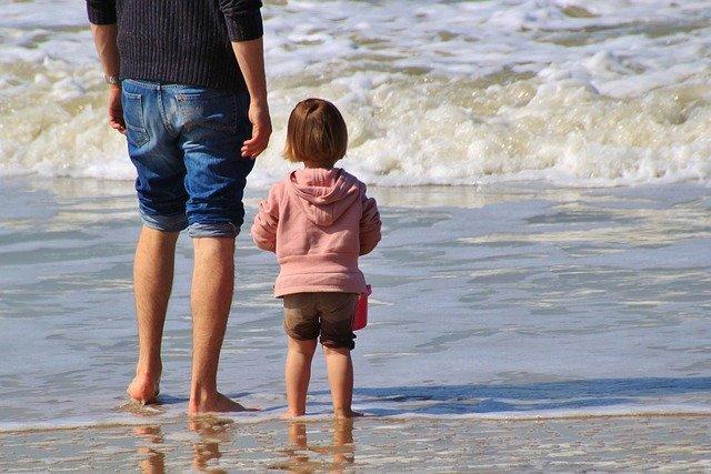 le-5-regole-d-oro-per-viaggiare-con-un-neonato